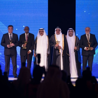 H.H. Sheikh Hamdan bin Rashid honors the winners of the 10th term of Hamdan Medical award